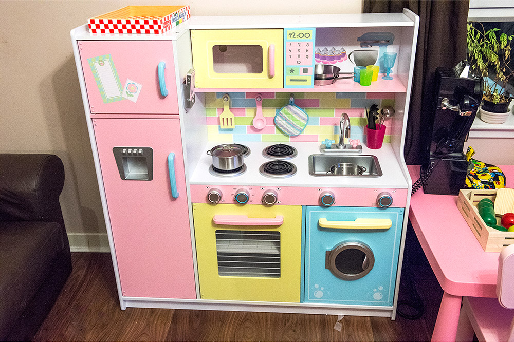 KidCraft Deluxe Kitchen