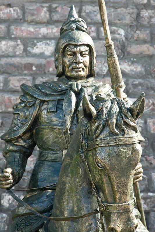 Statue in Jiuzhaigou