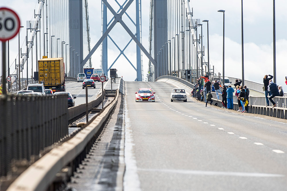 Gordon Shedden BTCC Forth Bridge